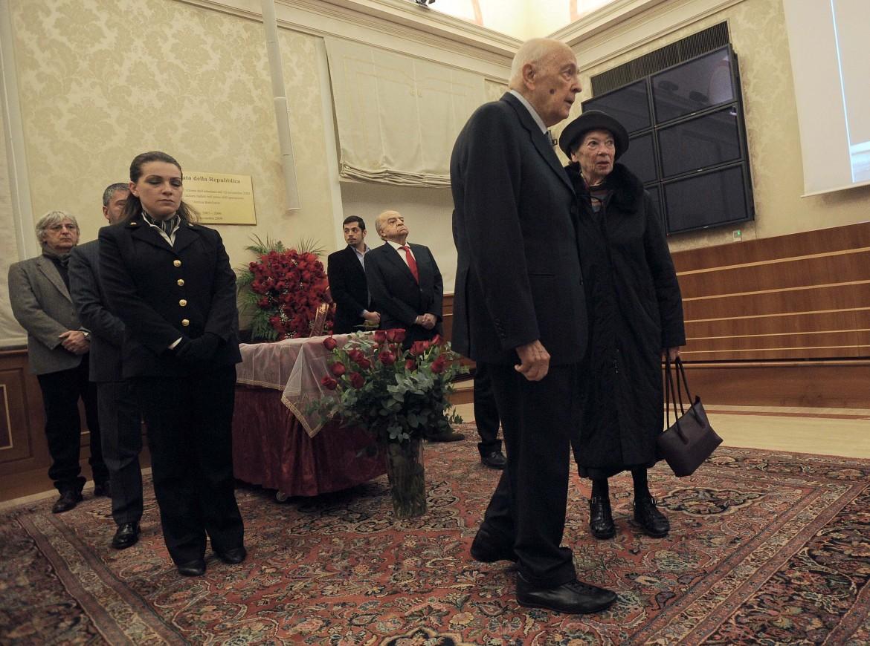 La visita di Giorgio Napolitano alla camera ardente per Armando Cossutta