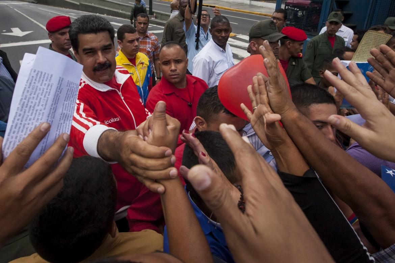 Caracas, manifestazione spontanea dei movimenti