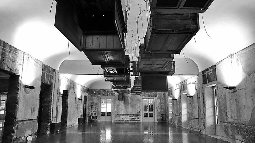 L'opera di kounellis a Palazzo Riso, Palermo