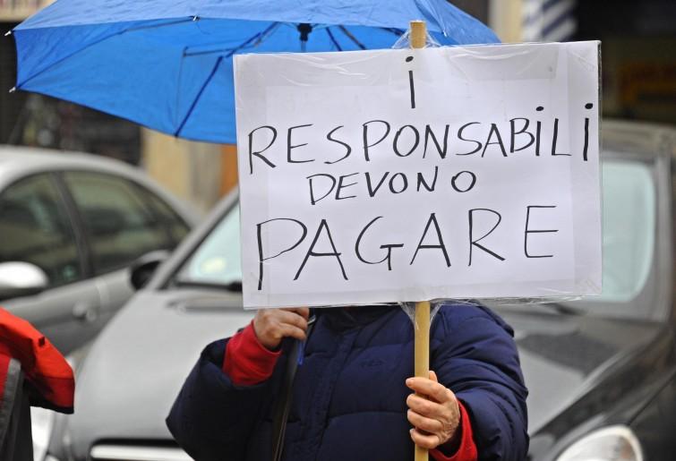 Proteste dei risparmiatori