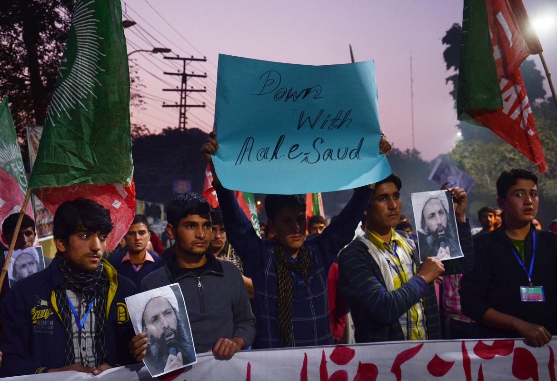 Protesta degli studenti a Lahore (Punjab) in Pakistan per l'esecuzione di Nimr-al Nimr