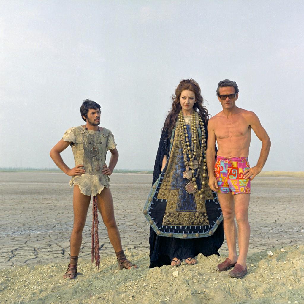 Pier Paolo Pasolini sul set di «Medea», 1968, con Maria Callas e Giuseppe Gentile