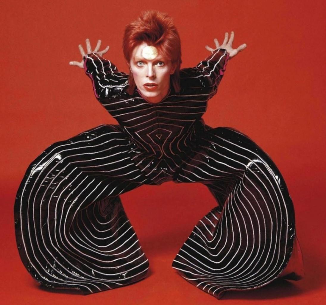 David Bowie «vestito» da Kansai Yamamoto