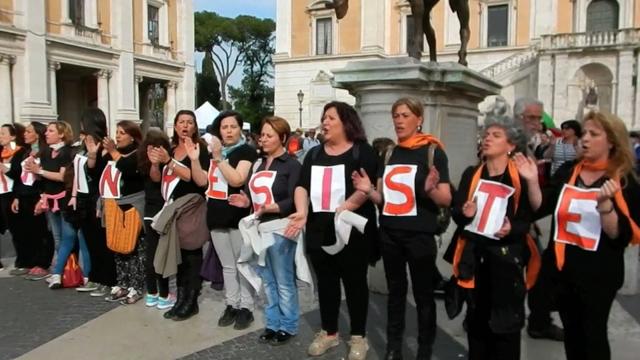 Una protesta in Campidoglio delle maestre degli asili nido