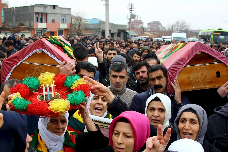 Funerali nel Kurdistan turco