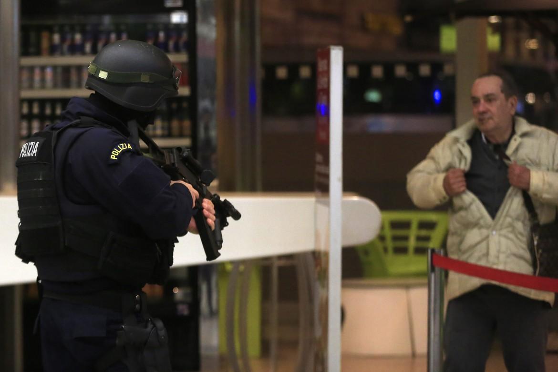 Evacuazione della Stazione Termini per un allarme terrorismo rivelatosi poi falso