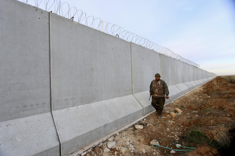 Il muro al confine tra Siria e Turchia