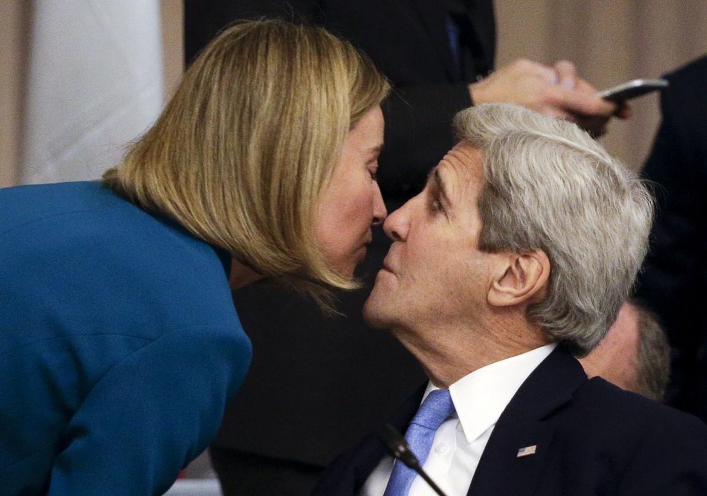 Il segretario di Stato Usa a Kerry insieme a Lady Pesc, Federica Mogherini