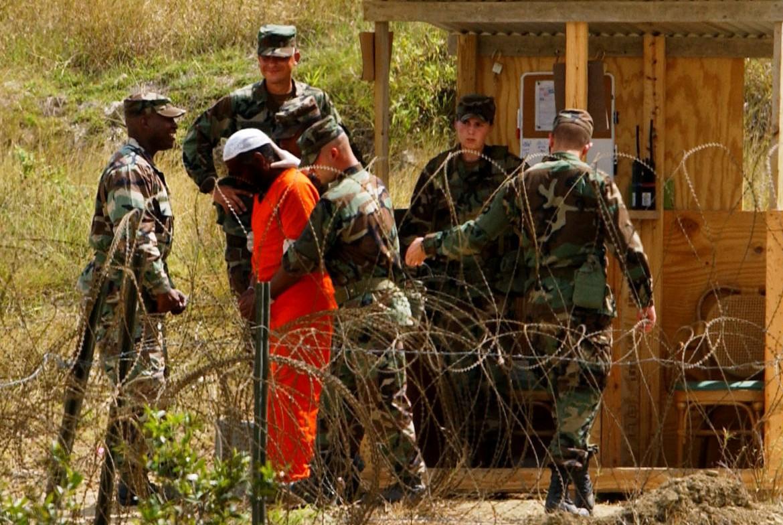 Uno dei 91 detenuti ancora reclusi nella base Usa di Guantanamo