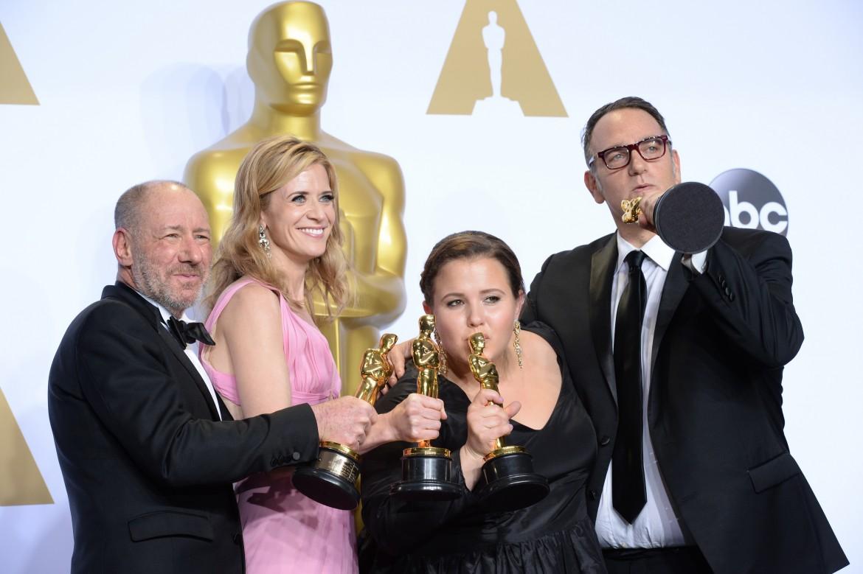il cast di Spotlight con l'Oscar