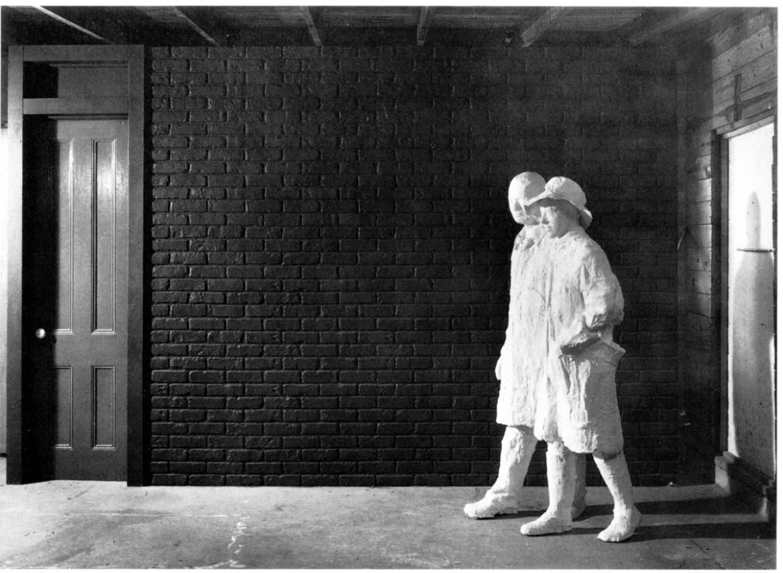 «The Brickwall» di George Segal (1979)