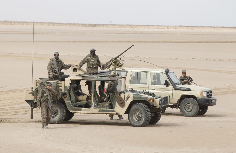 Forze tunisine a presidio del confine con la Libia