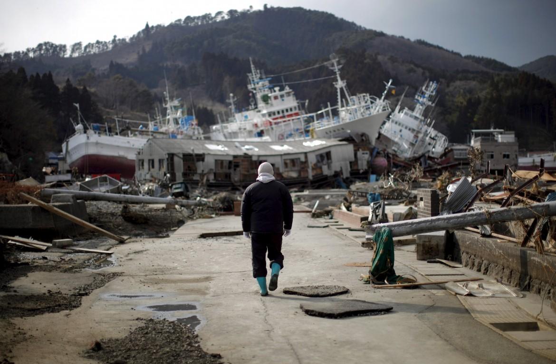 Kessenuma, prefettura  di Miyagi,  28 marzo 2011: gli effetti  del terremoto  e dello tsunami