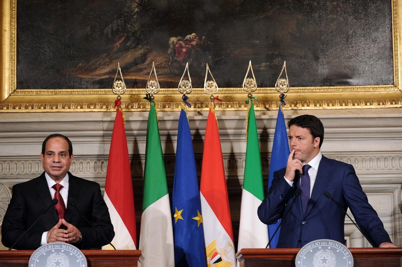Il generale golpista egiziano Al Sisi e il premier italiano Matteo Renzi