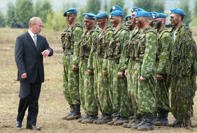 Putin con i soldati russi