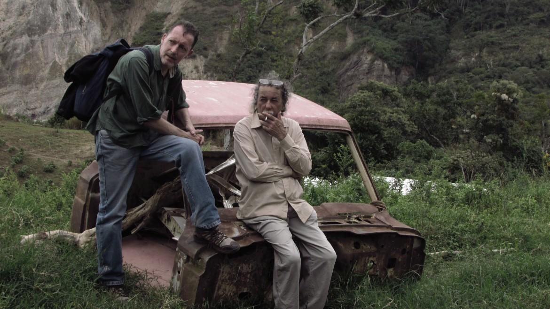 Thierry Deronne (a sinistra) e un operatore di Montana tv alla scuola popolare di cinema nel Tachira