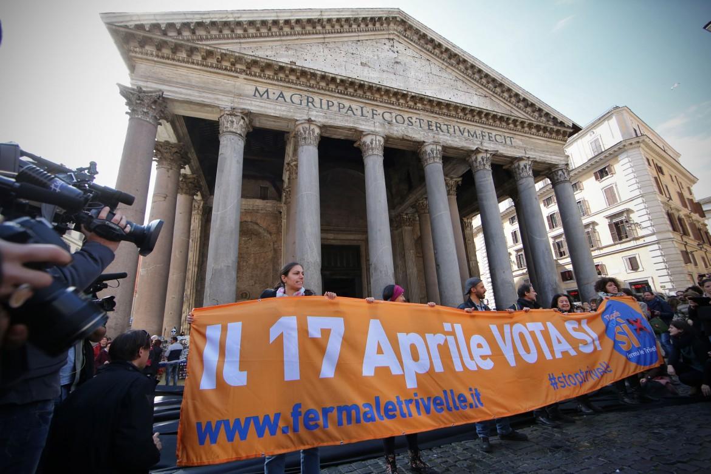 L'apertura della campagna per il Sì ieri al Pantheon