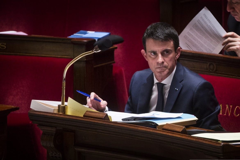 Il premier Manuel Valls in aula durante la discussione sulle riforme