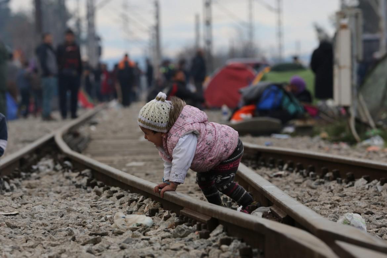 Profughi al confine tra Grecia e Macedonia