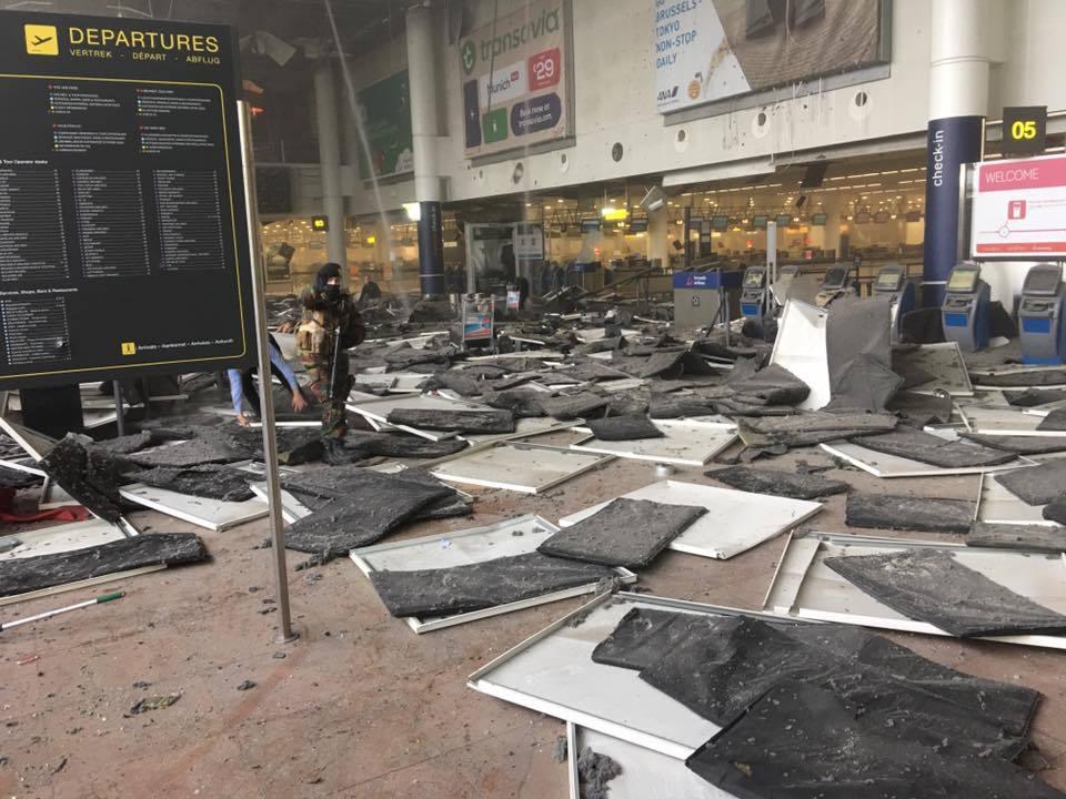 L'aeroporto di Zaventem dopo l'attentato
