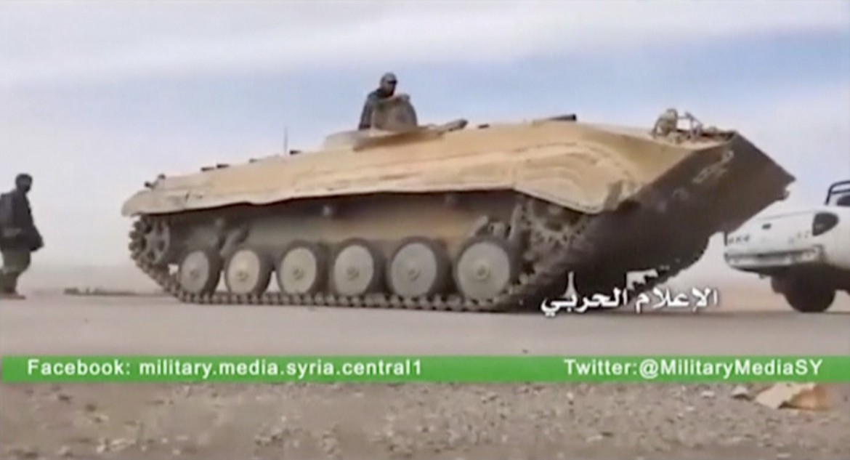 Un carro armato del governo siriano alle porte di Palmira