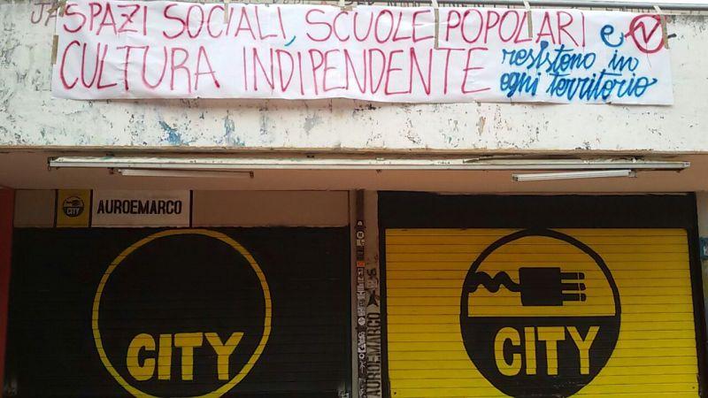 Roma, il centro sociale Auro e Marco, quartiere Spinaceto, ieri
