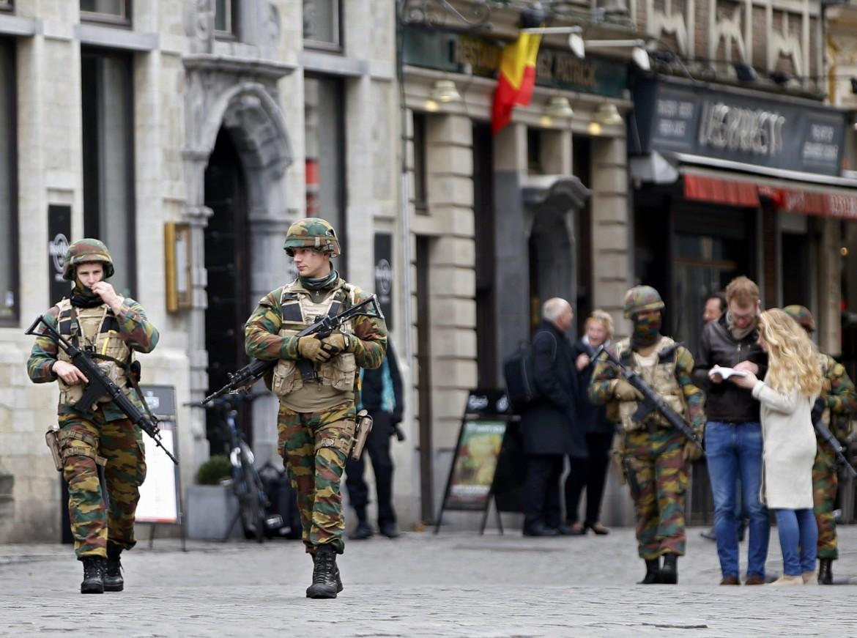 Soldati in pattugliamento a Bruxelles