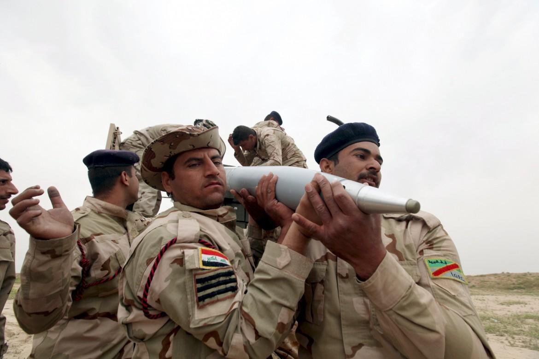 Soldati iracheni verso Mosul