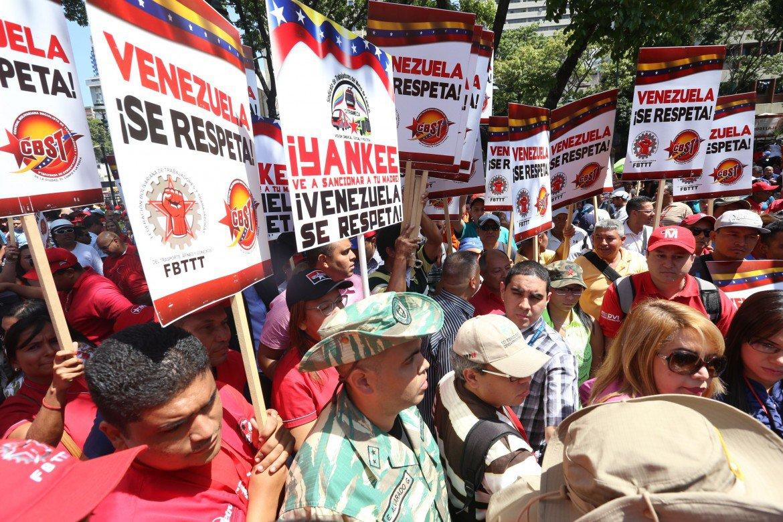 Caraca, manifestazione contro il decreto Obama