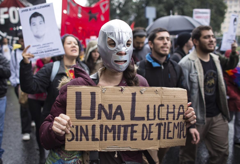 Argentina, manifestazione per gli scomparsi