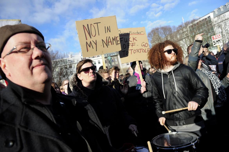 Islanda, protesta contro i Panama Paper's
