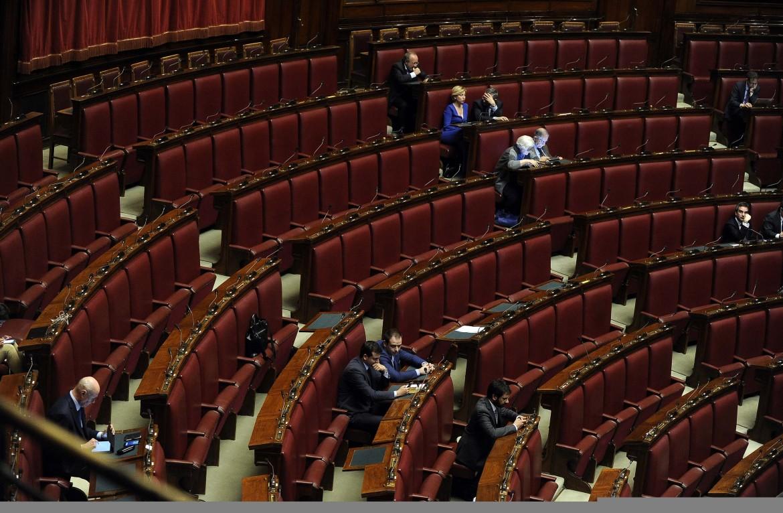Aula semideserta per l'ultimo storico via libera alle riforme costituzionali