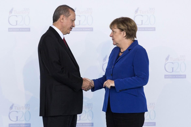 Il presidente turco Erdogan con la cancelliera Merkel