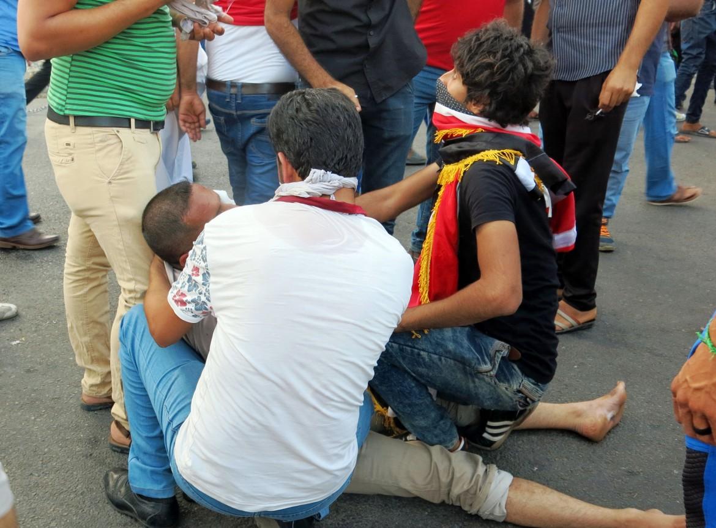 Manifestanti feriti durante la protesta di venerdì 20 maggio