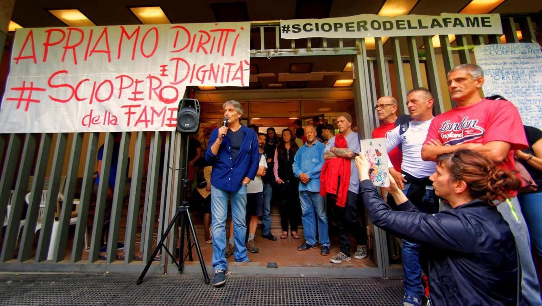 Roma, sciopero della fame degli attivisti di Action