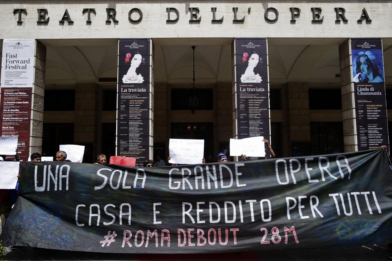 Roma, blitz al teatro dell'Opera