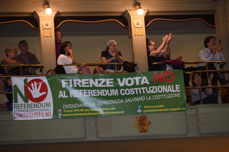 Un momento dell'assemblea di ieri a Firenze
