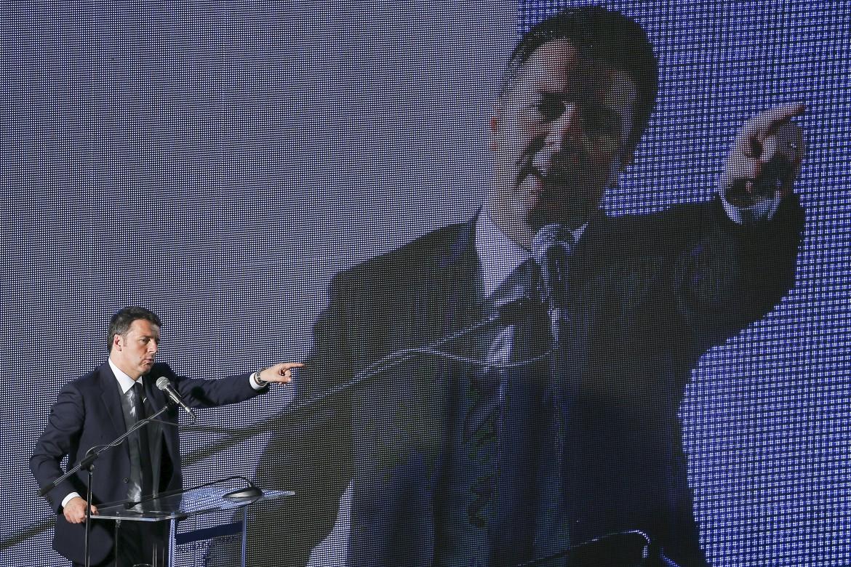 Matteo Renzi ieri a Napoli