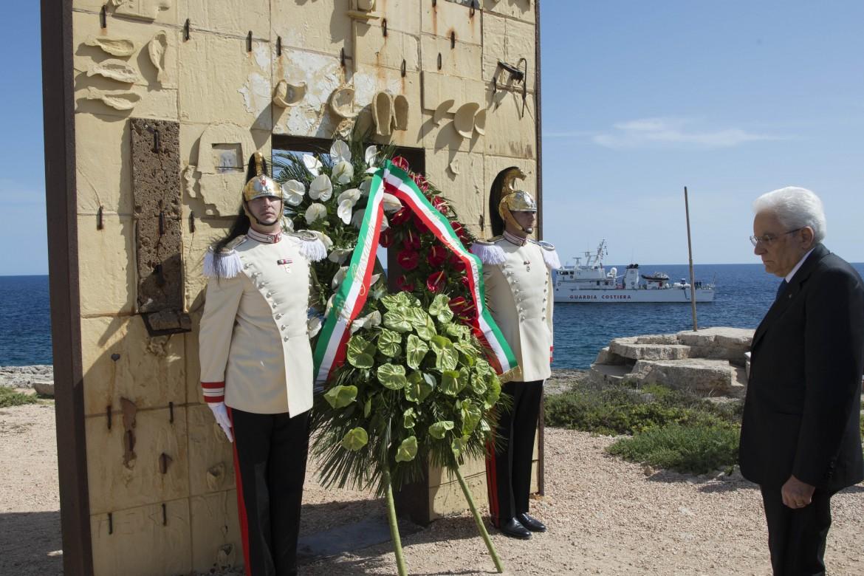Il presidente Sergio Mattarella a Lampedusa