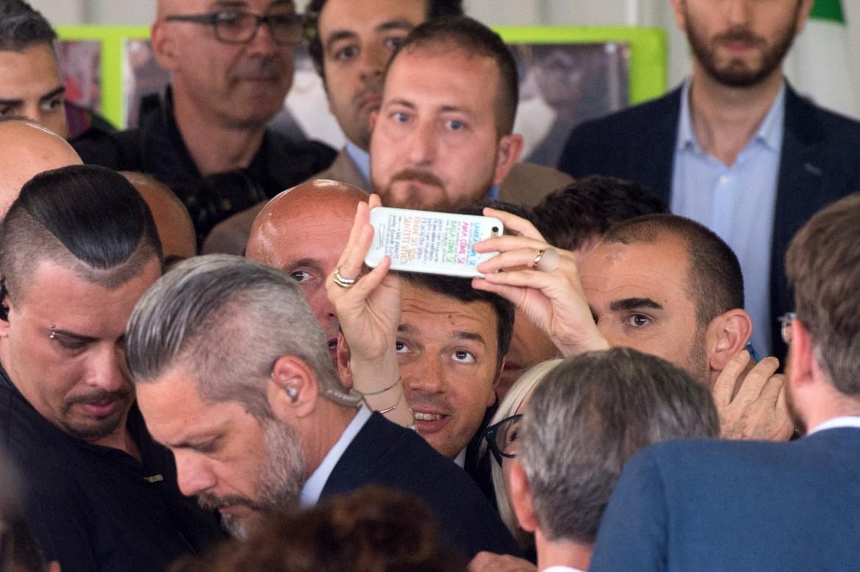 Matteo Renzi in campagna elettorale