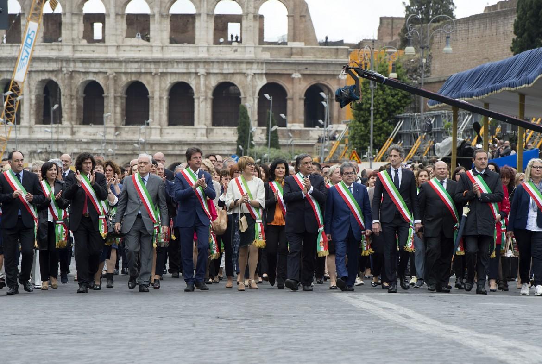 I sindaci alla parata del 2 giugno