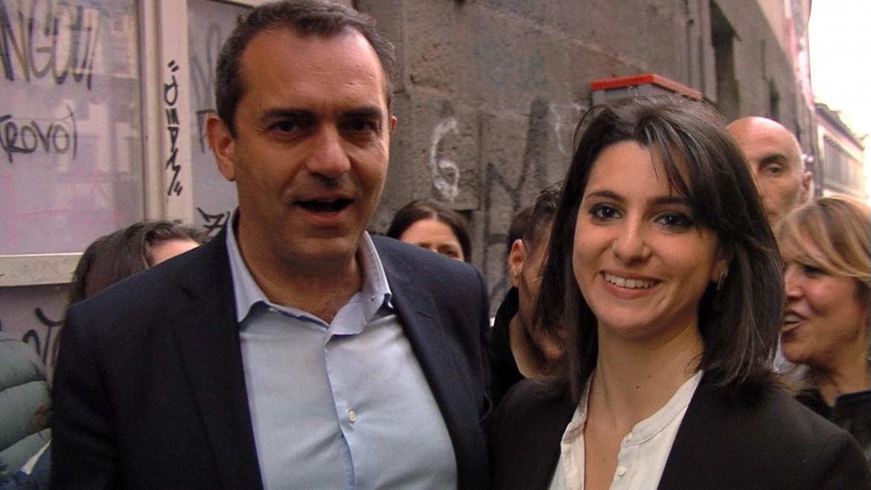 Eleonora De Majo, neo-eletta al consiglio comunale di Napoli, con il sindaco Luigi De Magistris