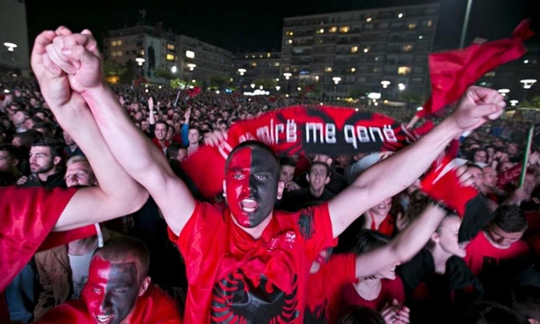 Tifosi dell'Albania, sotto Granit Xhaka