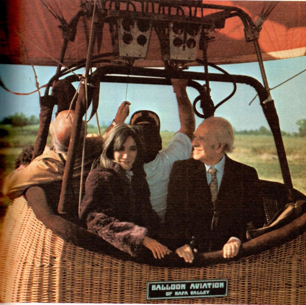 Borges con l'ultima moglie in mongolfiera