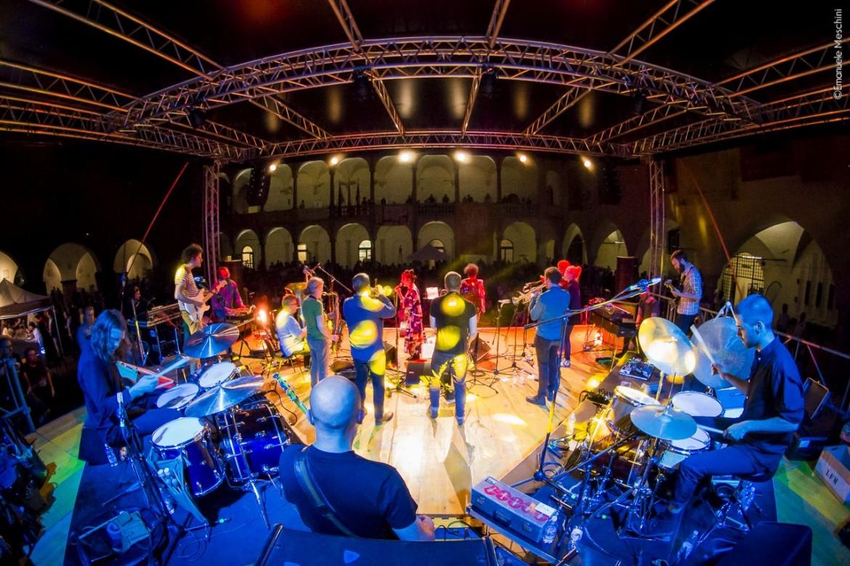 Fire! Orchestra dal vivo a Novara