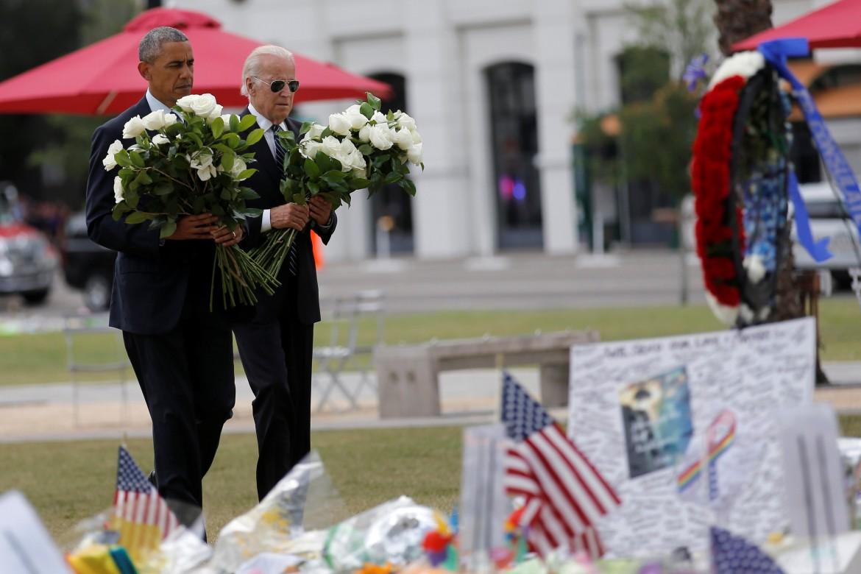 Obama omaggia le vittime della strage di Orlando