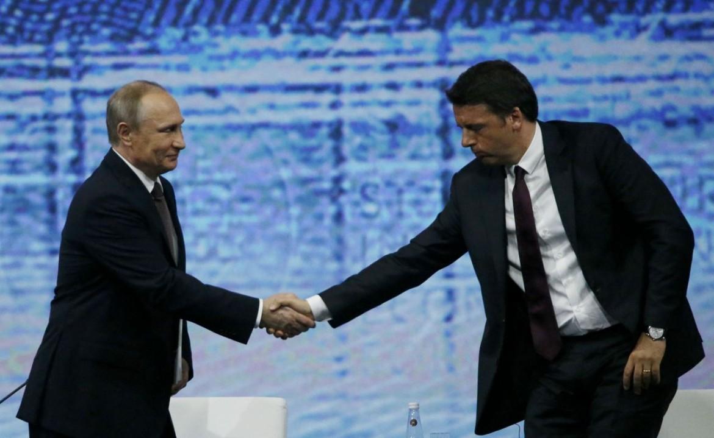Putin e Renzi al forum economico di San Pietroburgo