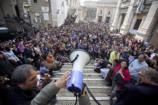 Assemblea di Decide Roma sul debito