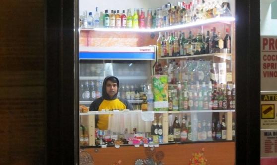 Un esercizio commerciale bengalese in Italia