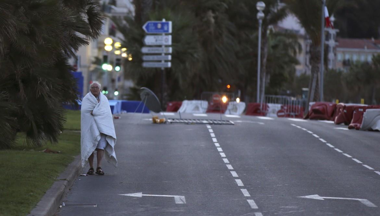 La Promenade des Anglais dopo la strage del 14 luglio